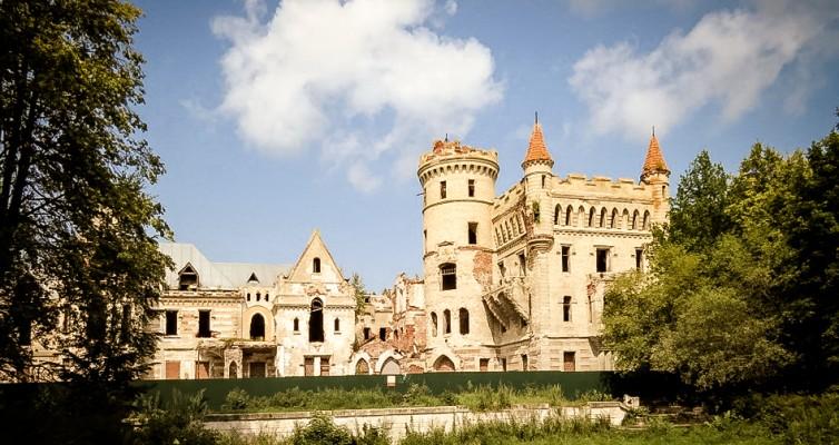 Замок В.Храповицкого в Муромцево – сказка наяву, которую почти утратили