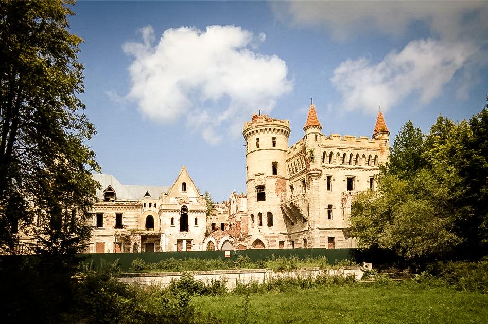 Замок В.Храповицкого в Муромцево – сказка наяву, которую почти ...