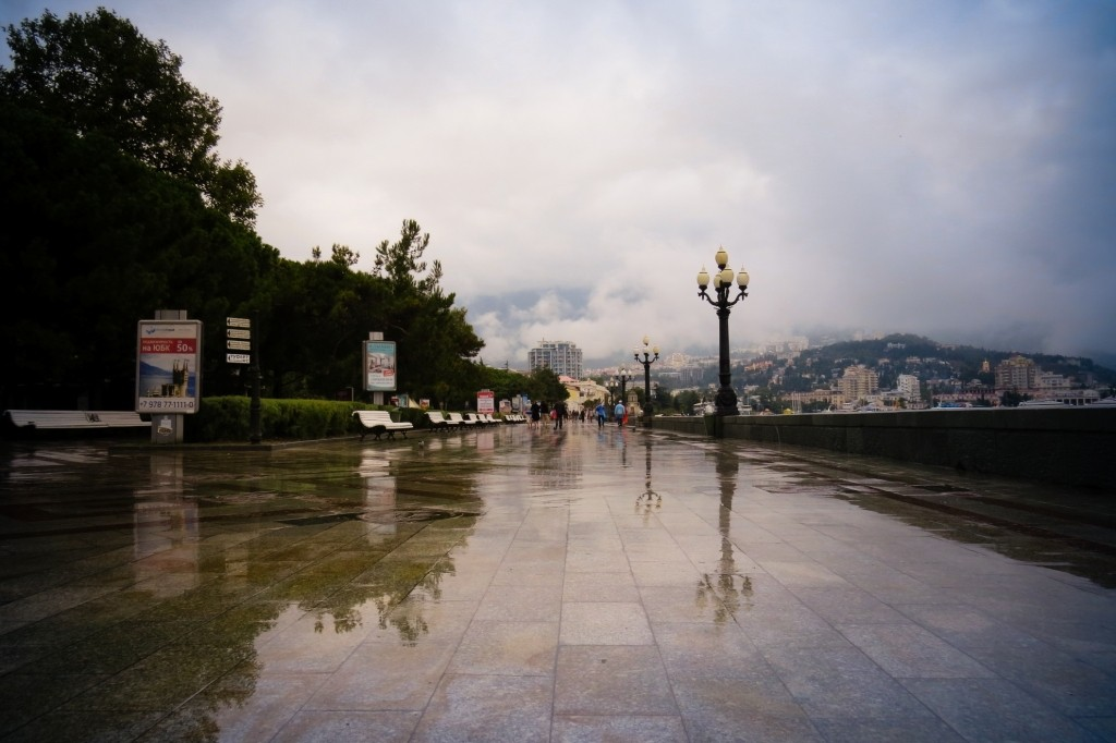 Ялта, Крым, набережная, дождь