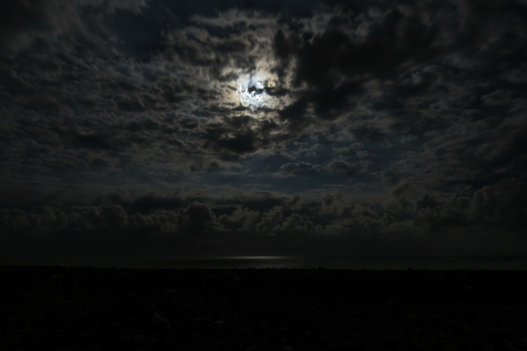 Адлер, берег, море, ночь, Автостопом до Адлера