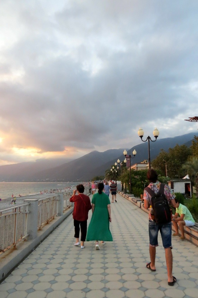 Абхазия, море, отдых, набережная