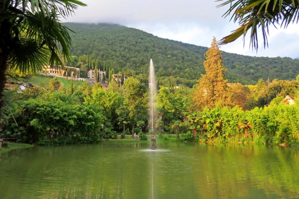 фонтан, стрелец, Гагра, Абхазия, Старая Гагра,