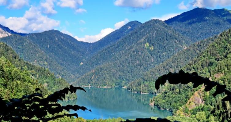 Озеро Рица, Кавказ, Абхазия, поход, поход в горы, Рица, горное озеро