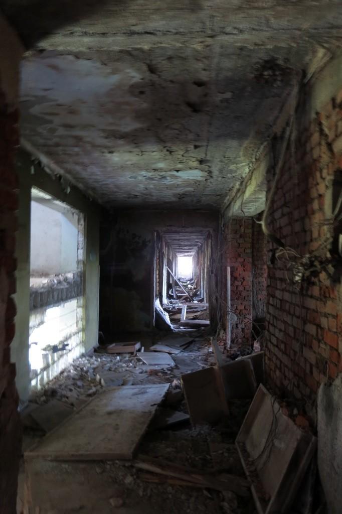 Абхазия, заброшки, сталкерство, руины, разрушения, Сухум