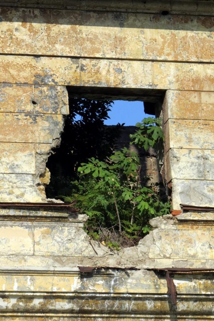 Сухум, Абхазия, заброшки, сталкерство, руины, разрушения