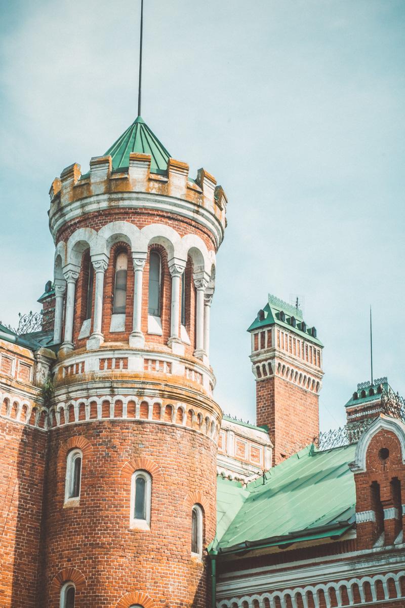 Замок Шереметева, Шереметевский замок, усадьба Шереметева, Юрино, Юринский замок, Марий Эл, Волга, история, интерьеры замка Шереметева, что внутри, экскурсия по замку